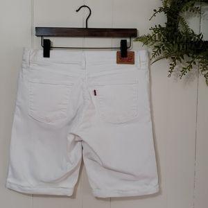 Levi's Strauss White Denim Shorts Sz 33 WPL#423